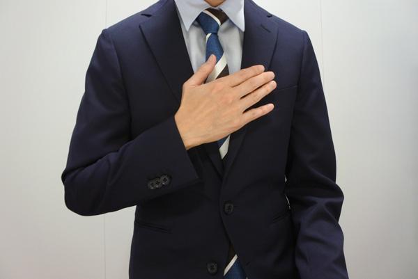 手の動きで、感情を表現すると話の印象が変わります。